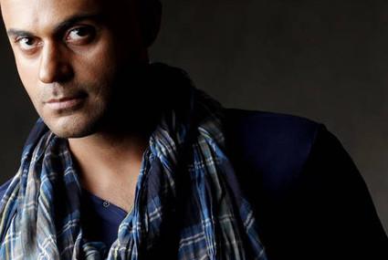 دانلود آهنگ مرد خیابانی از حمید حامی با متن ترانه شعر