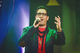 دانلود آهنگ غمگین گناه از امید حاجیلی با متن ترانه شعر